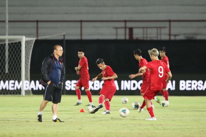 Quang Hải nhận mật lệnh từ thầy Park, ĐT Việt Nam rèn chiêu mới đấu Indonesia - 1