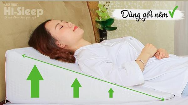Lý giải việc giảm trào ngược bằng gối nêm Hi-Sleep - 1
