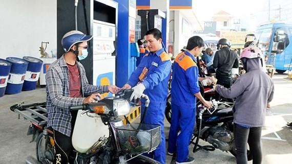 Giá xăng dầu đồng loạt giảm từ chiều nay 16/10 - 1
