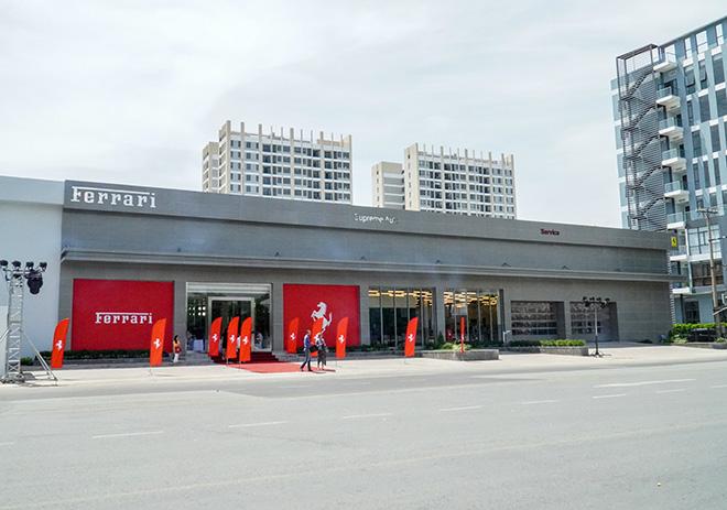 Ferrari chính thức khai trương showroom đầu tiên tại Việt Nam - 1