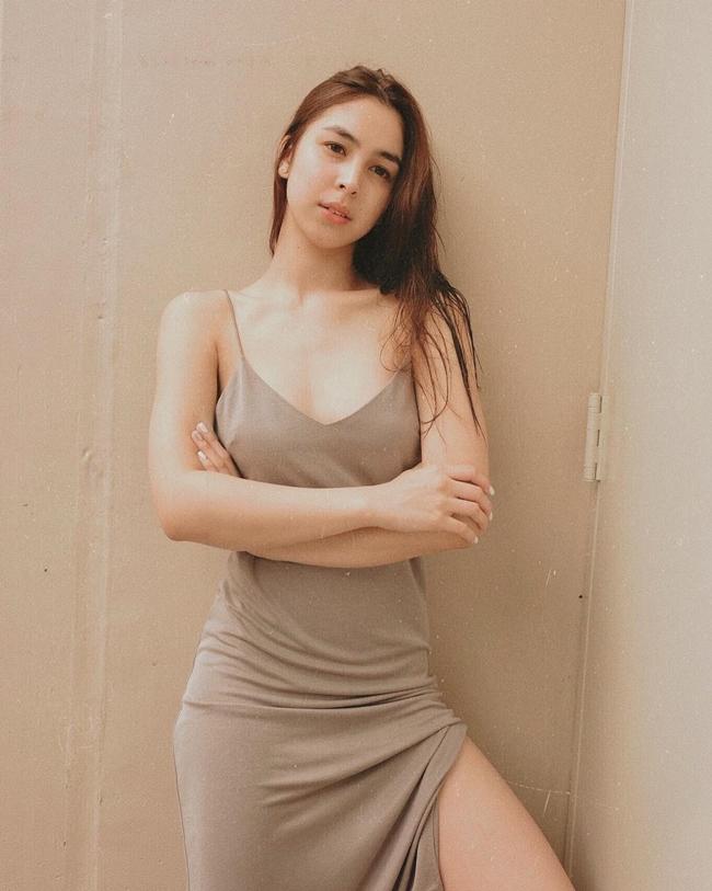 Julia Barretto - một trong những nữ diễn viên sexy nhất hiện nay của Philippines là người đi đầu trong trào lưu nói không với áo ngực. Hành động của cô được phần lớn người hâm mộ là nữ giới ủng hộ.