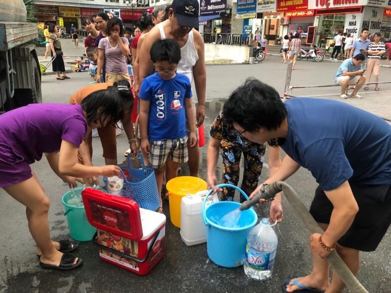 Hỏa tốc ngăn chặn tăng giá bất hợp lý nước đóng chai - 1