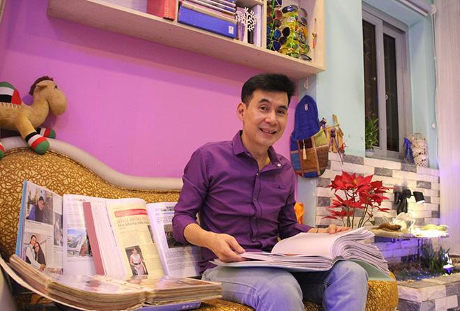 Chân dung nam ca sĩ Việt sống trong căn nhà trị giá 2000 cây vàng - 1