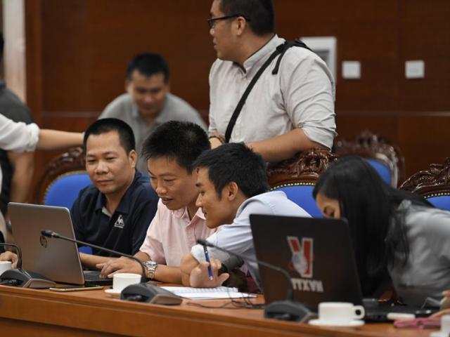 TRỰC TIẾP: Hoà Bình họp báo thông tin vụ nước sạch sông Đà bị ô nhiễm