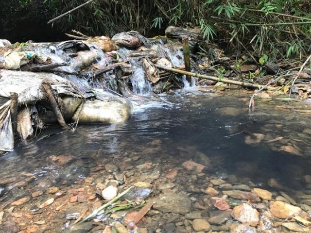 NÓNG: Khởi tố vụ án đổ dầu thải vào nguồn nước sông Đà