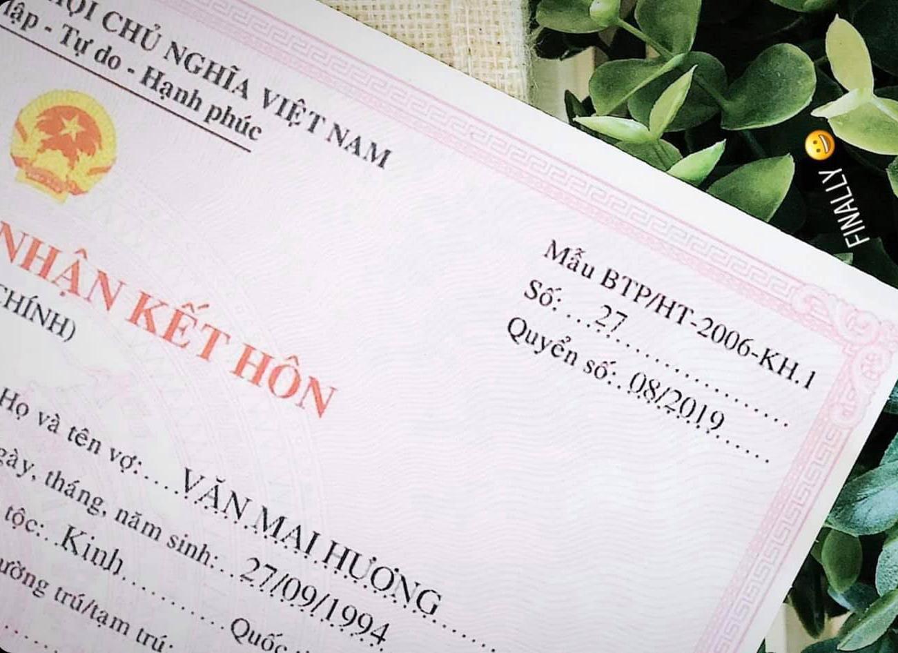 Văn Mai Hương đăng ký kết hôn với bạn trai bí ẩn - 1