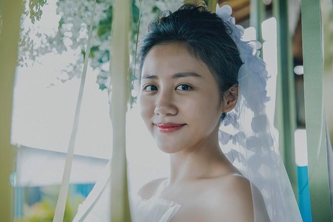 Văn Mai Hương khoe giấy đăng ký kết hôn, chú rể là Bùi Anh Tuấn? - 1