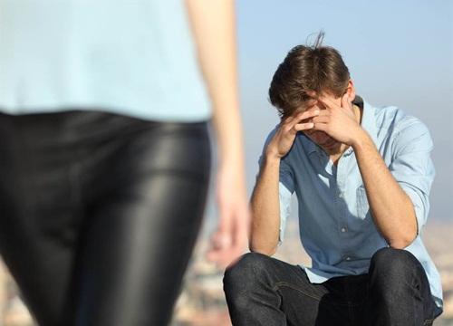 Không mua được iphone 11 cho bạn gái, chàng trai bị chia tay cực phũ - 1