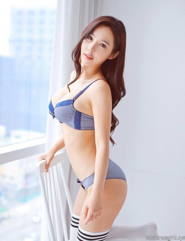 Ít người biết,cô thông thạo đến 3 ngôn ngữ, đó là tiếng Anh, tiếng Trung và tiếng Hàn.