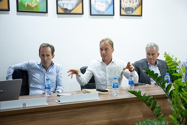 """CEO Tập đoàn FrieslandCampina: """"Tôi ấn tượng về mô hình kinh doanh của Bách hóa Xanh"""" - 1"""