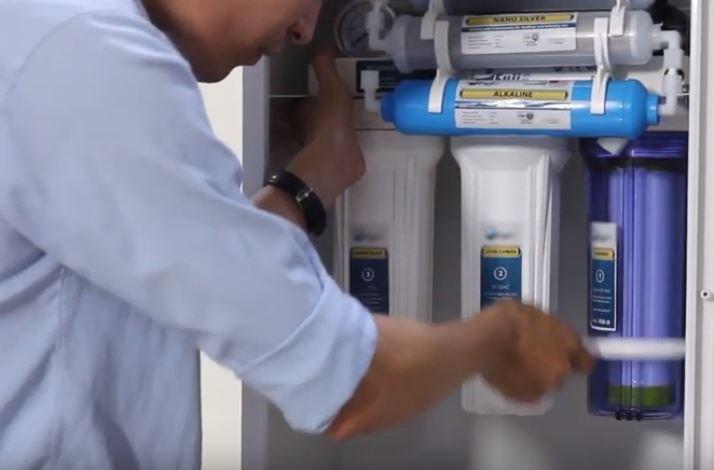 Dân đổ xô mua máy lọc nước, chuyên gia khuyên gì?