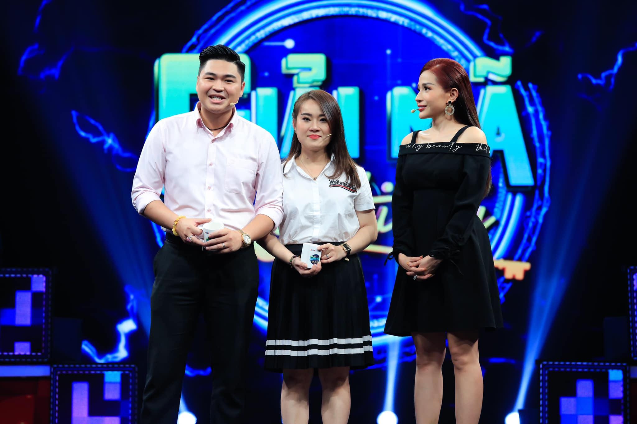 Chân dung người phụ nữ có 2 con riêng, hơn 8 tuổi vẫn được con trai Lê Giang yêu say đắm - 1