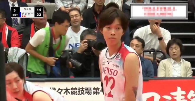 Thanh Thúy 1m93 bùng nổ bóng chuyền Nhật: Ghi điểm quyết định hạ cựu vương - 1