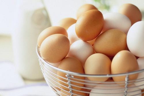 90% các bà nội trợ bảo quản trứng sai cách, rất dễ gây ung thư - 1