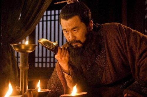 Tam Quốc Diễn Nghĩa: Vì sao Tào Tháo chỉ giết Lữ Bố mà không dám ra tay với Lưu Bị? - 1