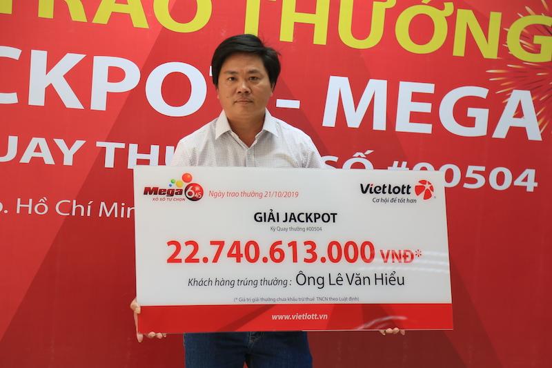 """Người trúng jackpot hơn 22 tỉ nói về việc không che mặt: """"Không nên hỏi nhiều"""" - 1"""