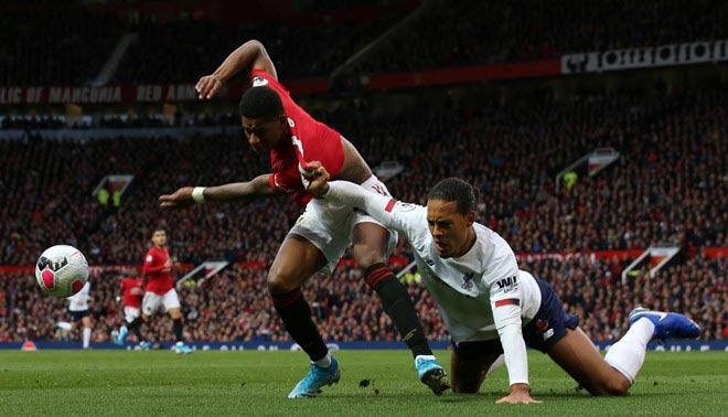 Siêu trung vệ Van Dijk thất thế trước Rashford, kém xa Maguire 80 triệu bảng - 1