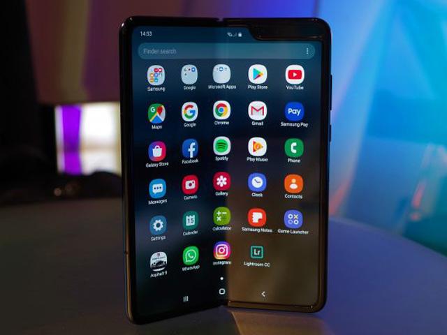 Galaxy Fold đã cập nhật thêm tính năng từ Galaxy Note 10
