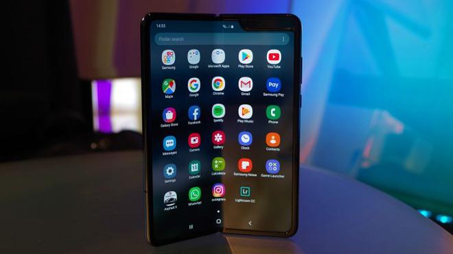 Galaxy Fold đã cập nhật thêm tính năng từ Galaxy Note 10 - 1