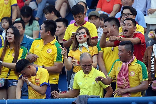 """Bầu Đệ """"nín thở cổ vũ"""" HAGL tiễn Khánh Hoà xuống hạng - 1"""