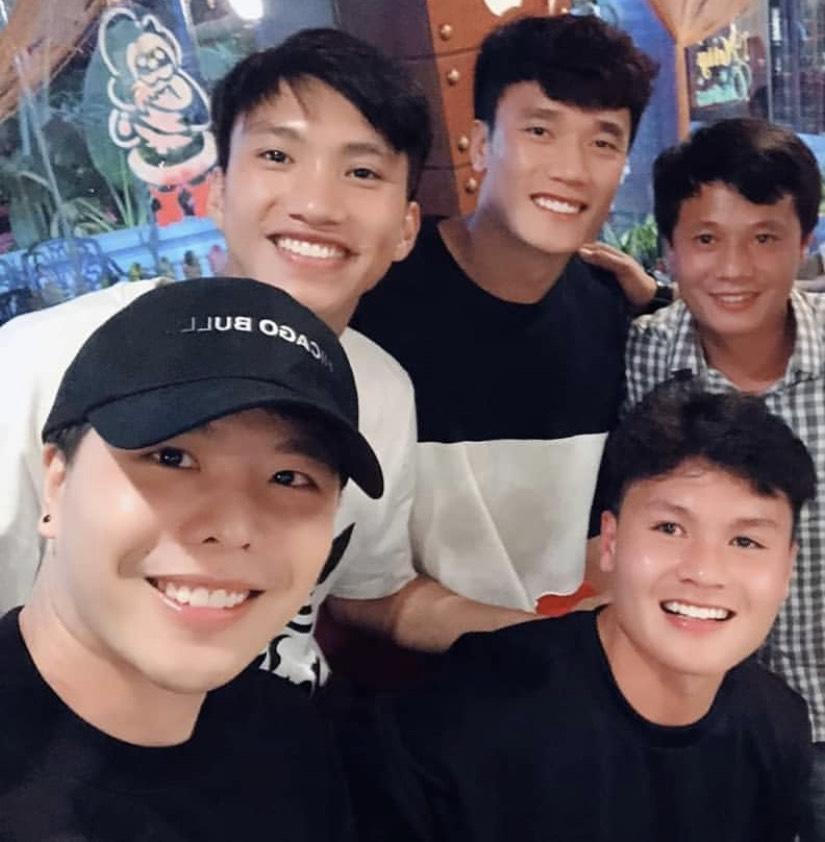 """Khoe ảnh thân thiết với tuyển U23, Trịnh Thăng Bình lại """"trách"""" HLV Park Hang Seo điều này - 1"""