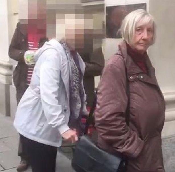 Sốc: Cụ bà 72 tuổi lừa nam sinh tới nhà uống bia, quan hệ tình dục - 1
