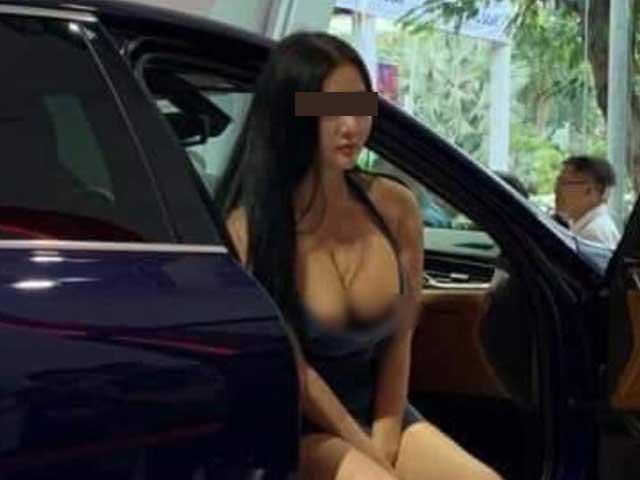 """Sự thật về người mẫu xe hơi """"bôi bẩn"""" Vietnam Motor Show 2019"""