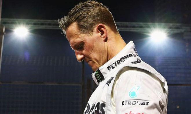 """Tin dữ: Tính mạng huyền thoại F1 Schumacher """"ngàn cân treo sợi tóc"""" - 1"""