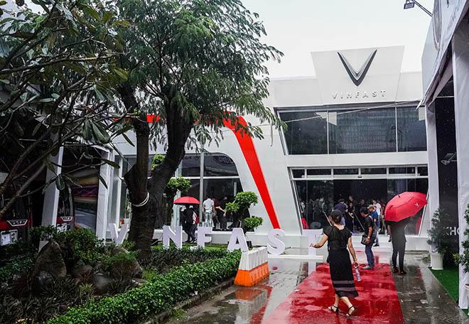 VinFast tâm điểm chú ý tại triển lãm Ô tô Việt Nam 2019 - 1