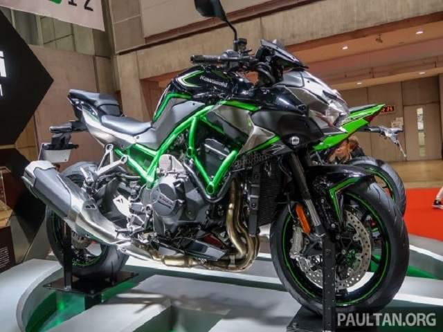 Ảnh thực tế mô tô tăng áp Kawasaki Z H2 và ZX-25R: Đẹp tới từng chi tiết