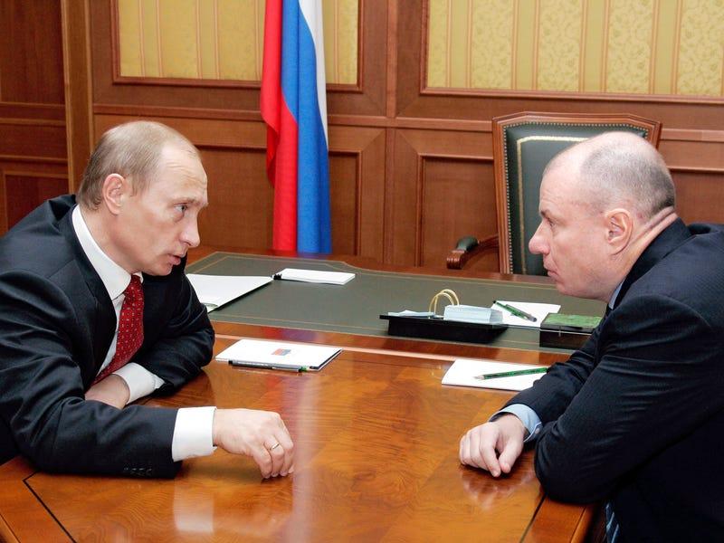 """Bí mật ít ai biết về tỷ phú """"như hình với bóng"""" bên cạnh tổng thống Nga Putin - 1"""