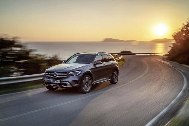 Cập nhật bảng giá xe Mercedes-Benz GLC 2019, ưu đãi 50% thuế trước bạ và nhiều quà tặng hấp dẫn - 1