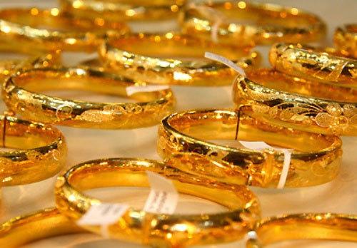 Giá vàng hôm nay 29/10: Giới đầu tư tháo chạy, vàng lại lao dốc - 1