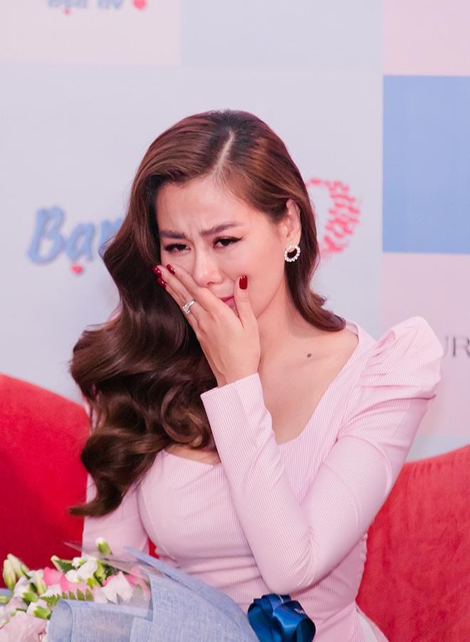 """Nam Thư khóc nấc tuyên bố rời """"Bạn muốn hẹn hò"""", MC Quyền Linh nói gì? - 1"""