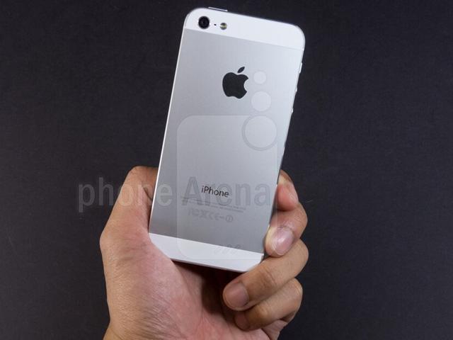 """iPhone 5 sẽ """"chết đứng"""" nếu không cập nhật phiên bản này"""
