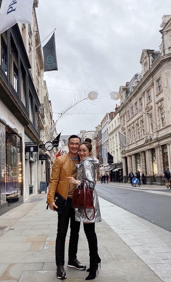 Sau ly hôn lần 2, Chi Bảo hẹn hò bên trời Anh với bạn gái kém 16 tuổi - 1
