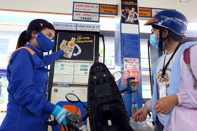 Giá xăng dầu đồng loạt giảm từ chiều nay 31/10 - 1