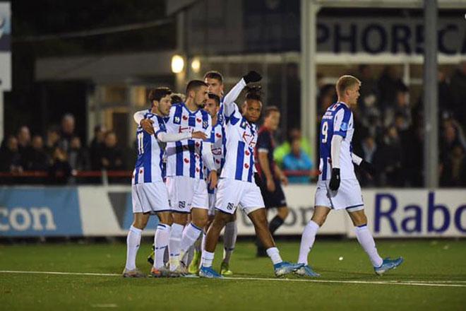 Văn Hậu sẽ không được ra sân hết năm 2019, HLV Heerenveen chỉ rõ lý do - 1