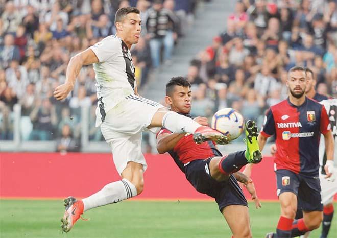 Video highlight trận Juventus - Genoa: Nghẹt thở phút 90+6, gọi tên Ronaldo - 1
