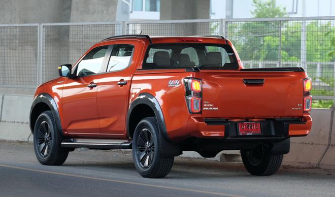 Soi chi tiết xe bán tải Isuzu D-Max thế hệ mới tại Thái Lan - 2