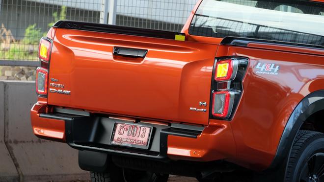 Soi chi tiết xe bán tải Isuzu D-Max thế hệ mới tại Thái Lan - 11