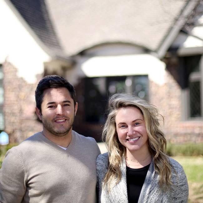 Sáng kiến này tiếp tục mở rộng tìm kiếm 250 người khác đến Tulsa sống trong năm 2020. Hình ảnh chụp 2 người chuyển từ Los Angeles, Mỹ đến Tulsa sinh sống.