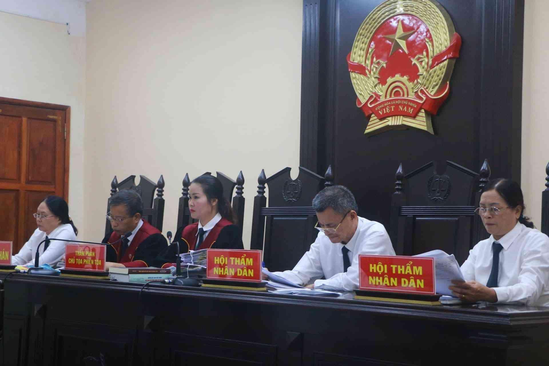 """Mẹ của Phó trưởng Đoàn ĐBQH tỉnh Hà Giang sẽ bị """"khiển trách"""" vì """"nhờ vả"""" nâng điểm - 1"""
