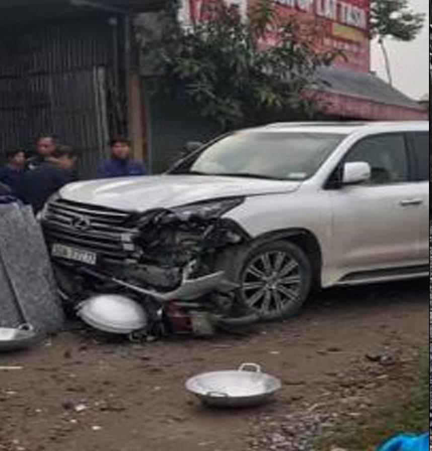 """Xe Lexus biển ngũ quý """"777.77"""" gây tai nạn khiến 1 người phụ nữ tử vong - 1"""