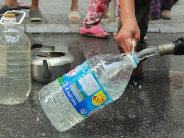 Nóng tuần qua: Động thái mới của TP Hà Nội có khiến người dân yên tâm dùng nước sạch?