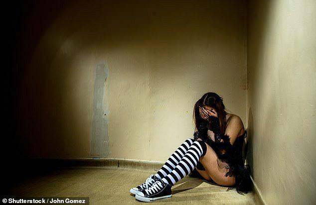 Nam sinh quay video cưỡng hiếp cô gái thoát án tù vì thân hình quá nhỏ - 1