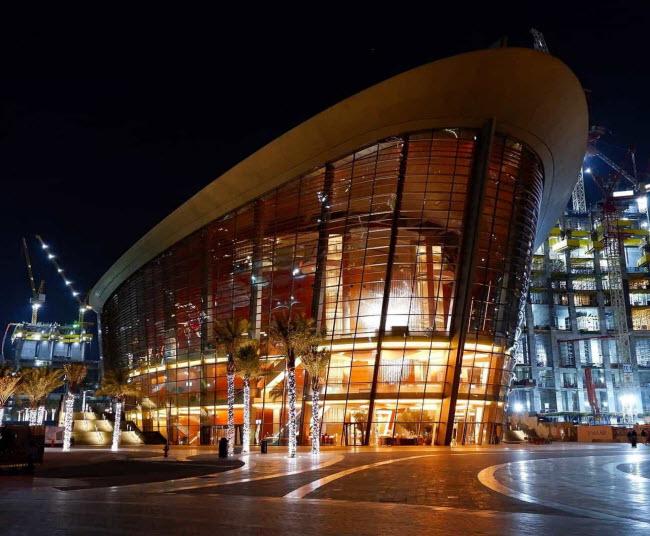 Nhà hát Dubai: Đây là sân khấu biểu diễn các vở ba lê nổi tiếng và nhiều thể loại nhạc khác.