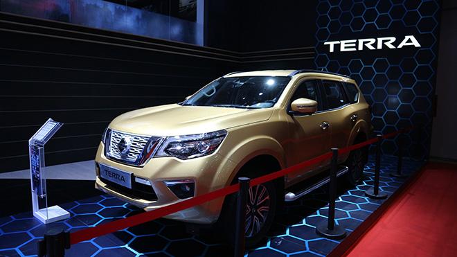 Nissan Terra giảm giá 40 triệu đồng, kích cầu mùa cuối năm - 2