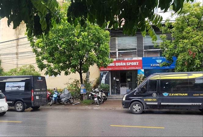 Doanh nghiệp vận tải kêu cứu vì bến cóc, xe dù - 1