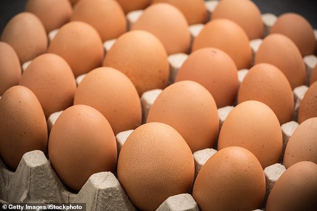 Thi ăn trứng lấy 650 ngàn đồng, người đàn ông ăn đến quả thứ 42 thì lăn ra chết - 1